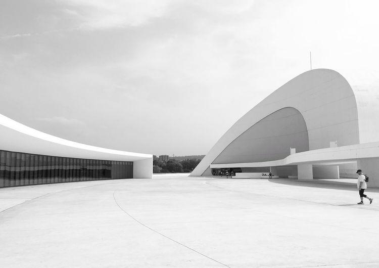Niemeyer Architecture Mi Serie Minimal Minimalobsession Minimalism Blackandwhite White Avilés Showcase August 2016 Centro Niemeyer