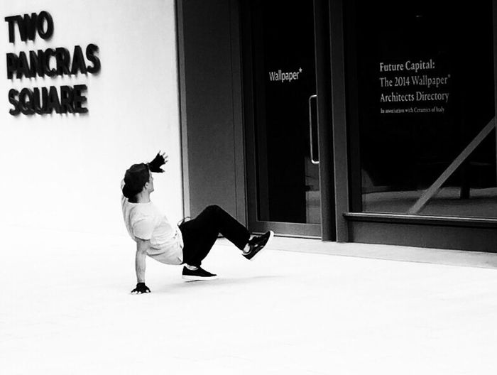 Black And White Shootermag Street Style From Around The World The Street Photographer - 2015 EyeEm Awards The Art Of Street Photography