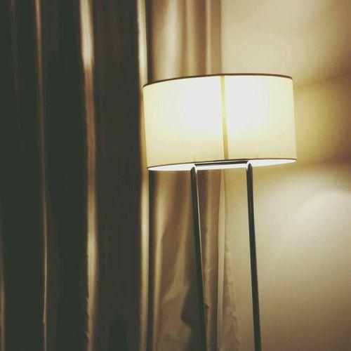 ننام ليموت الحنين فنصحوا صباحا على لحن إشتياق ♡ تصبحون على خير تصويري