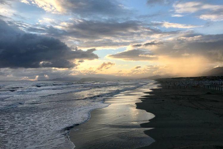 Water Sea Sky Beach Cloud - Sky Land Beauty In Nature Sunset Scenics - Nature Wave Horizon Over Water Horizon Nature Motion Tranquil Scene Tranquility Idyllic Outdoors