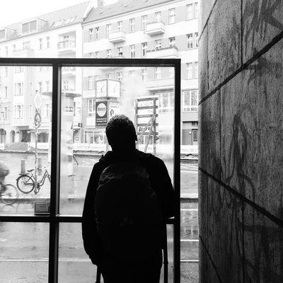 Blackandwhite Photography Berlinlove Iphonephotography Berlin Life Berliner Ansichten Berlindubistsowunderbar Berlin Photography Berlineransichten Berlin Street Photography Blackandwhite Moritzdornphotos