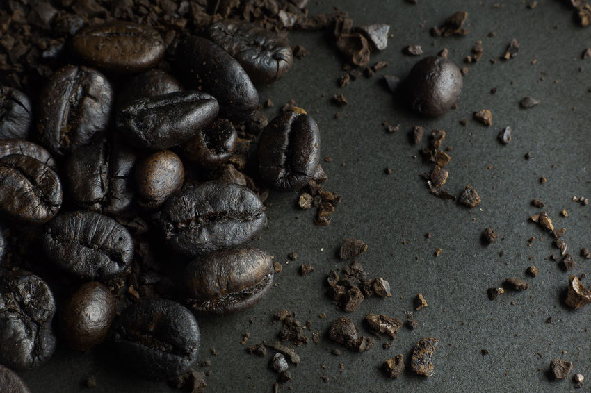 The coffee roasted on black texture close up background. Coffee Coffee Shop Coffee ☕ HotDrink Cafe Cafe Time Cafeteria Coffee - Drink Coffee Background Coffee Beans Coffee Break Hotdrinks Cafe Cappuccino Latte Roasted Roasted Coffee Bean