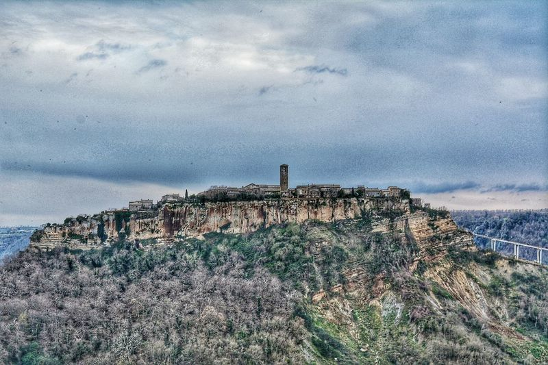 Civita Civita Di Bagnoregio Civitadibagnoregio Italy Beautiful La Citta Che Muore Deathcity Town Valley Picoftheday Nikontop Nikon D5200 Nikon Nikonphotography Photography Photographer Photograph Travel Peace Like4like Follow4follow Likeforlike Followme
