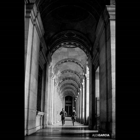 Musée du Louvre - París - France Pariscity Parisigers Louvre Museumdulouvre Parislouvre 263photo Paris263 Capturestreet Streetphotography