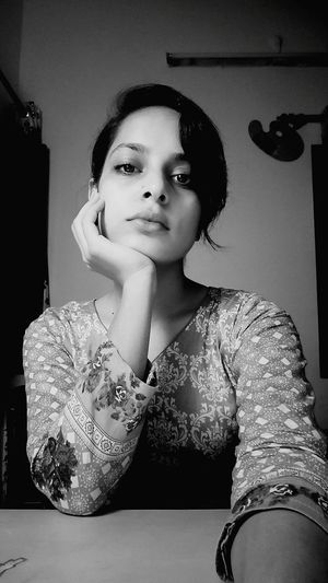 Scenes from the 21st Century Selfportrait Monochrome Whatwehaveincommon Videocall Life Living Everydayscenes Oneplus5 Photography