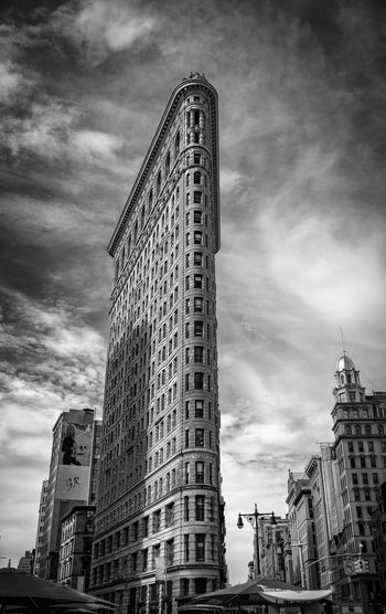 Flat Iron Flat Iron Building New York City Manhattan Building Exterior Built Structure Architecture Sky Low Angle View Tall - High City Building Cloud - Sky Modern Office Building Exterior Tower Skyscraper No People Outdoors Travel Destinations