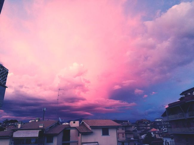 Clouds Clouds And Sky Pink Clouds At Sunset City Buildings Rainy Sunday Leica Leicacamera Colors Of Spring Colors