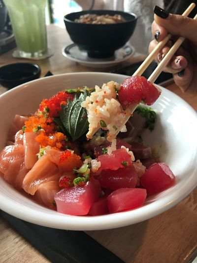 Food And Drink Freshness Food Ready-to-eat Table Indoors  Healthy Eating Serving Size Bowl Plate Close-up Real People Human Hand Day Japanese  Japanese Food Shusi Fish Salmon Sashimi Salmon - Seafood Salmone
