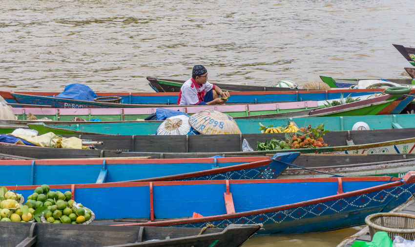 Traditional Tourism Vacations Travel Destinations Men River Seller Market Floating Market Colorful Variation Sell Jukung Rowboat Wooden Raft For Sale Assortment Various Stall EyeEmNewHere