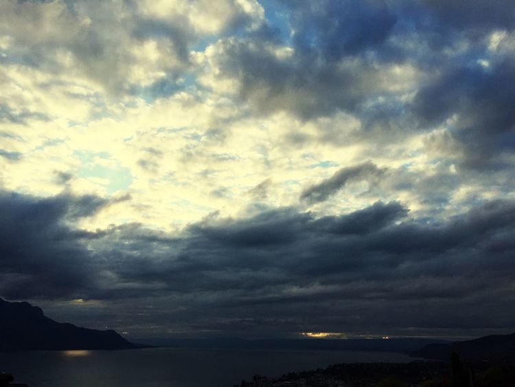 Sky Cloud - Sky Nature Beauty In Nature Scenics Tranquility Tranquil Scene No People Outdoors Water Horizon Over Water Mountain Day switzerland lake