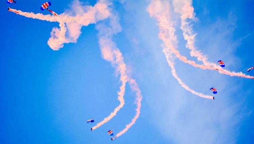 """break..... Formation 1"" Sunderland Air Show 2014 Air Show Parachutes EyeEm Gallery"