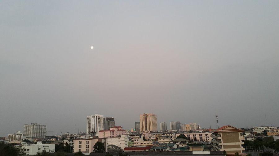 Good morning Moon Moon Set Morning Sky Moon Shots Bangkok City Cityscapes Urban Landscape Urban Sky Urban Moods Urban Moon Good Morning Moon