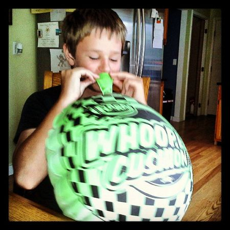 Fun Toys Portrait Funny Goofy Photooftheday Picoftheday Fart Nothingisordinary Blowup 11YearsOld Daily_captures_cute Colehenning Whoopee Whoopeecushion Celebrate_nio Funtoy