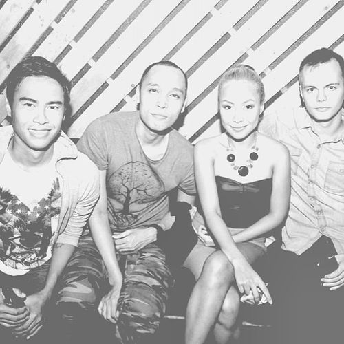 Black and White at @blackmarket_mnl with @woodygeronimo @djcammyv & @magnus_wehus