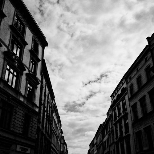 Building Exterior Architecture Built Structure Sky Low Angle View Outdoors Cloud - Sky No People Day Window City