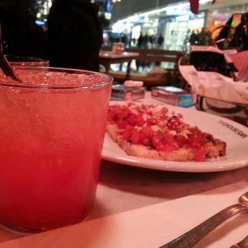 Bruschetta Strawberryfeast Coctail Thehousecafe kanyon istanbul