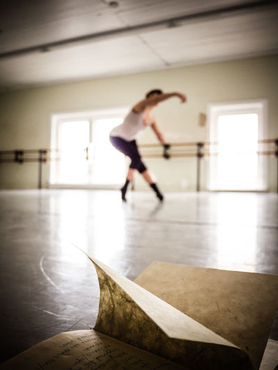 Studio 4 - Philly Prep Audition Ballet Ballet Dancer BestofEyeEm Dance Studio Dancing In Motion Modern Dance Practice Practicing Rehearsing Spring Inside. Winter Out There - Take This. Women Workout Youth Of Today Bestoftheday Best Of EyeEm Motion Fine Art Photography