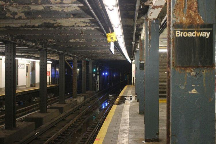 On the Platform, Williamsburg, Brooklyn Notes From The Underground Subway Public Transportation Brooklyn