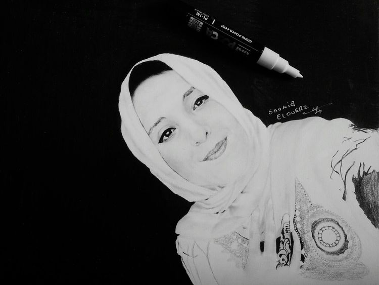 Finally finished the drawing. Art Artist Draw Drawing Portrait Drawing Portrait Hijab Pencil Drawing Pencilart Pencilwork