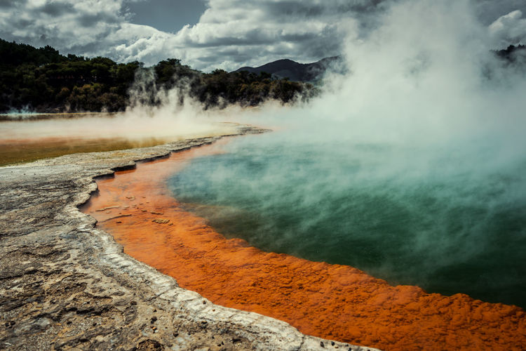 The surreal champagne pool found in new zealand