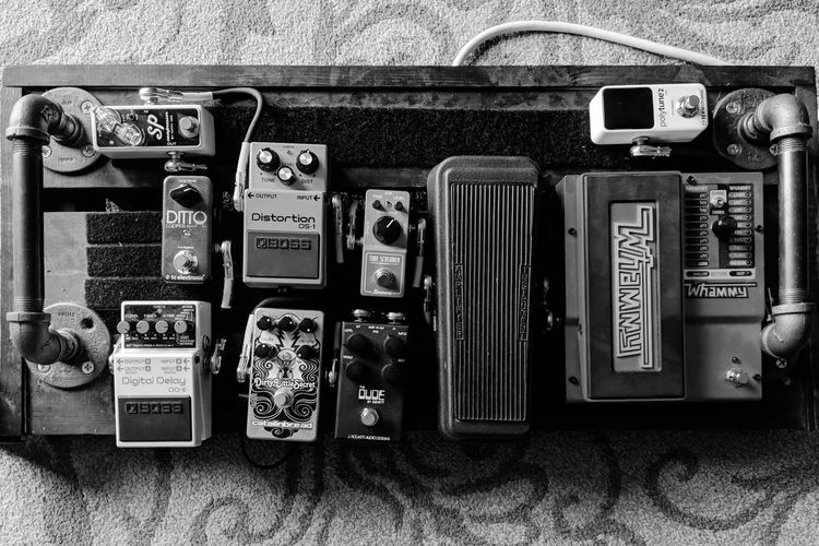 Pedalboard Pedalboardoftheday Effectspedals Guitarpedals Diypedalboard Fendercables Ernieballcables Tcelectronic Bosspedals Digitech Dunlopcrybaby Tubescreamer Catalinbread Jrockettpedals Xoticeffects Blackandwhite Pipes Velcro Technology Old-fashioned Communication Telephone