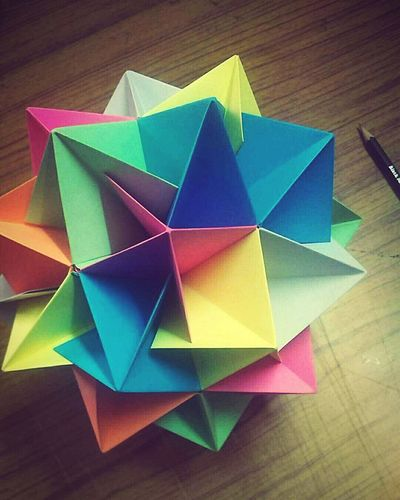Twinboat Icosahedron. Origami Origamiart Origamicolors Origamiporn Colors Colorsplash Hardwork Satisfied