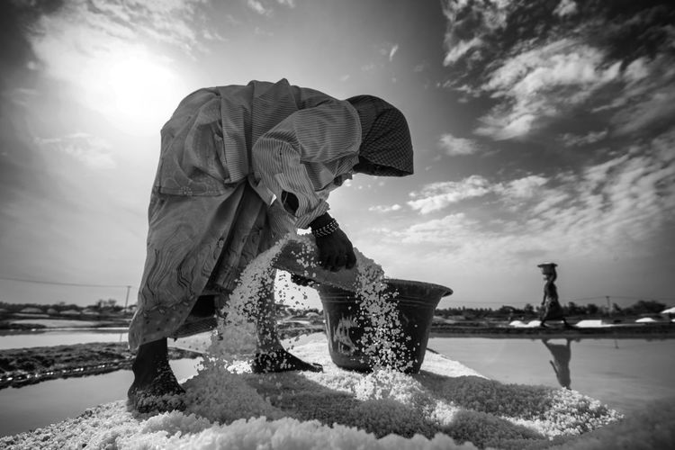 Workers at Salt Pan Blackandwhite Daily Life Day Hardwork Labour Life Men Monochrome Outdoors People Salt Salt Pan Water Women