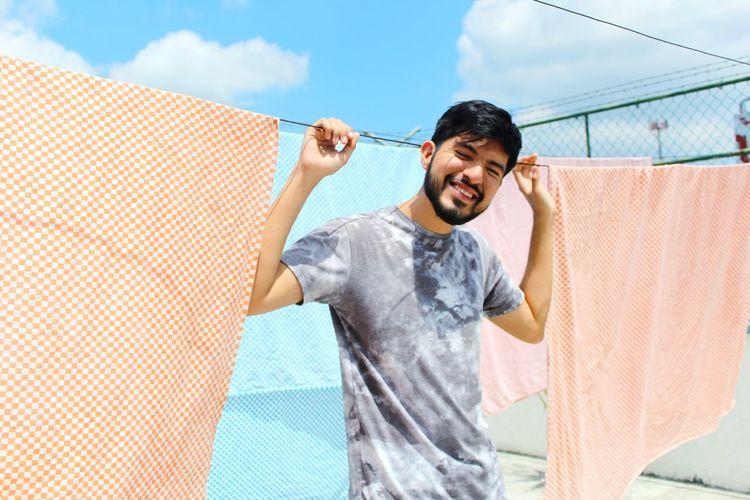 Portrait Photography Portrait EyeEm Selects Volunteer Sportsman Men Smiling Spraying Cheerful Sport Happiness Human Hand Summer The Portraitist - 2018 EyeEm Awards