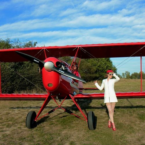Fashion Aviationphotography Stewardess Airplane Red Outdoors First Eyeem Photo Pilotlife Redbaron Airfield Aviation Glamour Girl Aviationgirl United States Female Model Long Hair Young Women Fashionable StewardessLife Aircraft Higheels Redlips