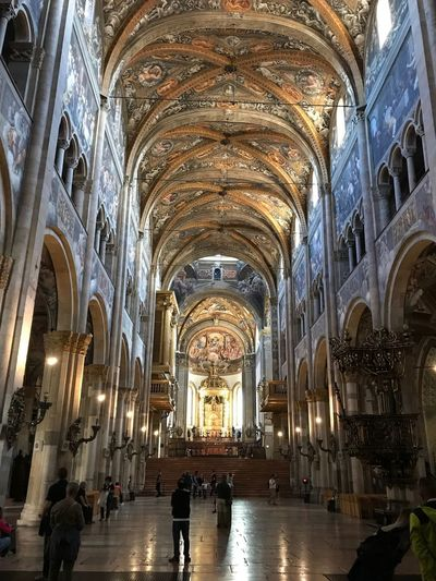 Parma No Filter Duomo Di Parma Duomo Parma Emiliaromagna Italy Architecture Built Structure Arch Indoors  Religion Belief Real People Ceiling Spirituality Group Of People Illuminated Building Place Of Worship Tourism Travel Destinations Architectural Column Architecture And Art