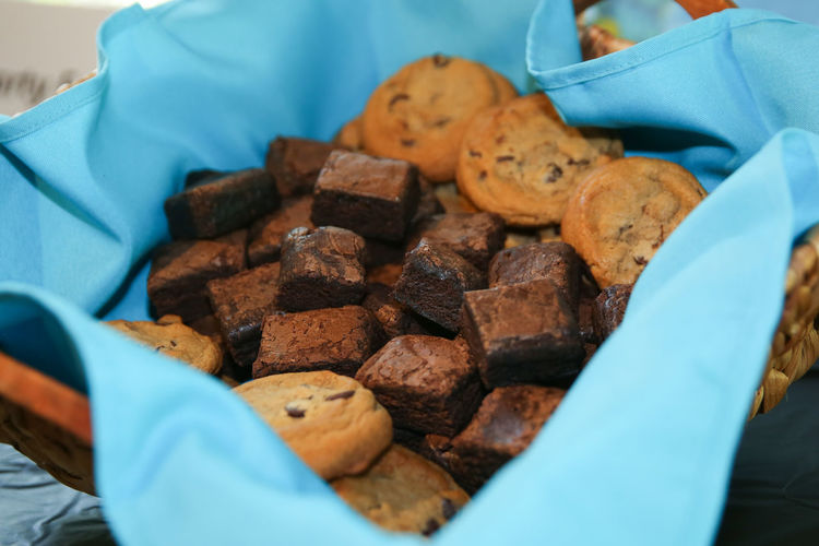 Fresh out of the oven brownies and chocolate chip cookies Cookies Dessert Fatty Food Indulge Snack Sugar Sweet Tooth Baked Bakery Brownie Brownies Chocolate Chip Cookies Dessert Basket Fat Food Fresh Indulgence Party Party - Social Event Serving Sweet Basket Sweet Food Sweets Unhealthy Eating Warm