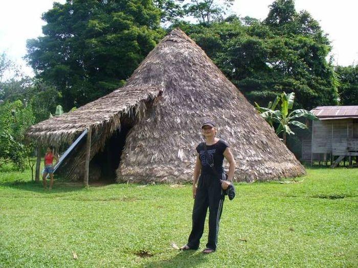 En Talamanca Costa Rica, ramcho ceremonial indiigenas Bribri Cultural Tradition Bribri