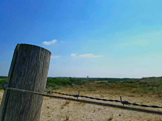 Dünenlandschaft 2 Prison Oil Pump Barbed Wire Protection Razor Wire Clear Sky Safety Sky Grass The Great Outdoors - 2018 EyeEm Awards
