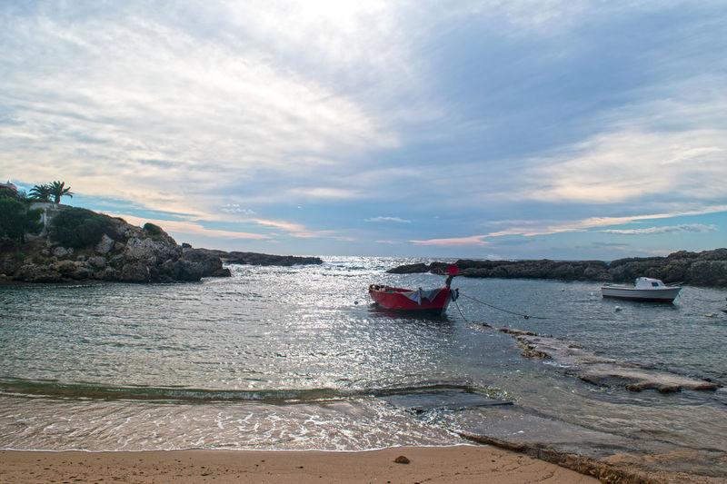 Baia Del Pescatore Barça Beach Boat Cielo Leporano Mare Scogli Sea Sky Spiaggia Taranto Vento Wind