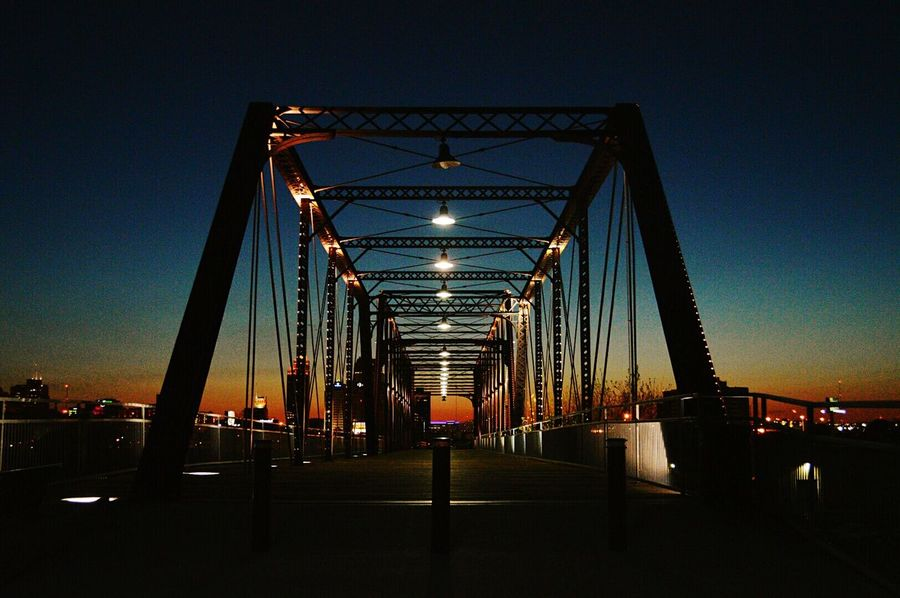 The world has no eyedea. Battle Of The Cities San Antonio Texas Bridge Architecture Night Sky Night Scene TakeoverContrast