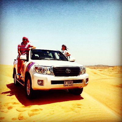 Yine birgun çöllerdeyiz @holly_thereal ile kum firtinasi olusturuyoruz dubaide Dubai Dubailife DubaiMall Desert Safari Jeep Toyota Instamod Instagood Crazy Driver Have Fun Bae  Turkey Turkishgram Beşiktaşk Besiktas