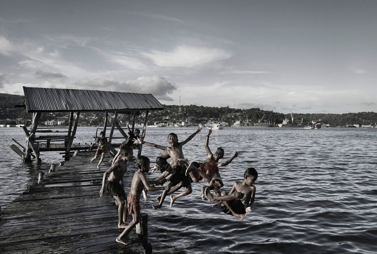 Something wrong with the bridge The Photojournalist - 2016 EyeEm AwardsEyeEm Indonesia HDR Hdr_Collection Black & White Black And White Childhood Children Children Playing Enjoying Life Eye4photography  EyeEm Best Shots EyeEm Gallery From My Point Of View Having Fun Nature Nature_collection People People Photography Sea Sea And Sky Monochrome Photography Water Kendari Bay Teluk Kendari