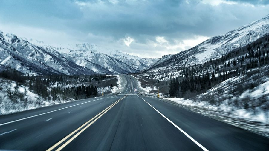 Alaska Winter Mountain Road Snow Mountains Snow Travel Travel Photography Landscape Landscape_photography Cold Freezing Freezing Cold Adventure Club Snow Sports The Great Outdoors - 2017 EyeEm Awards