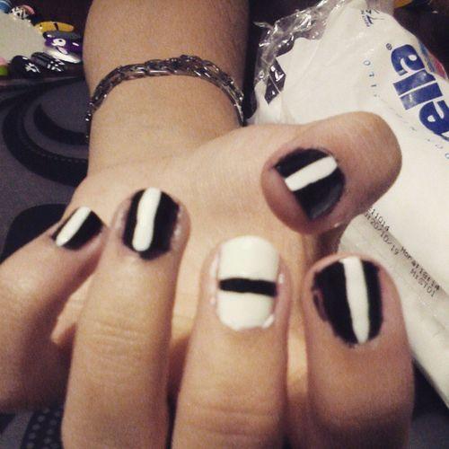 Noche de manicuria Nailsart UnbrokenNails