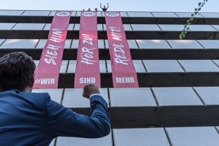 Wir sind mehr | Hamburg 2018 Documentary Banner - Sign Guerilla Art Antifasisct Nikon D750 Protest Rear View Communication Text One Person Standing Day Men Adult Outdoors Hanging