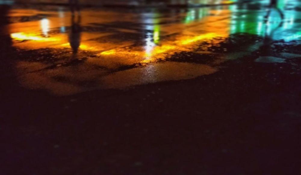 Night Wet Weather Rainly Mobilephotography Walking Motion Illuminated Outdoors