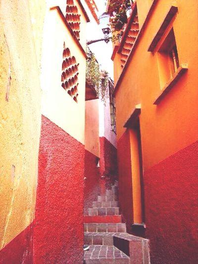 Callejon del Beso Arquitecturamexicana Traveling Arquitecture Street Life