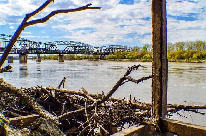 The Great Outdoors - 2016 EyeEm Awards Missouri River Kansas City Missouri  Railway Bridge River