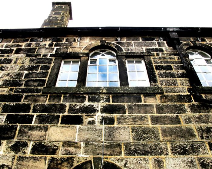 Looking Up Blue Sky Windows Window Walls Stone Wall Stone Bricks Pattern Pieces Heptonstall Buildings Learn & Shoot: Balancing Elements Light And Shadow EyeEm Best Shots Heptonstall Museum Hebden Bridge Quaint  Village House Building Old Architecture England Old School House Simplicity Detail