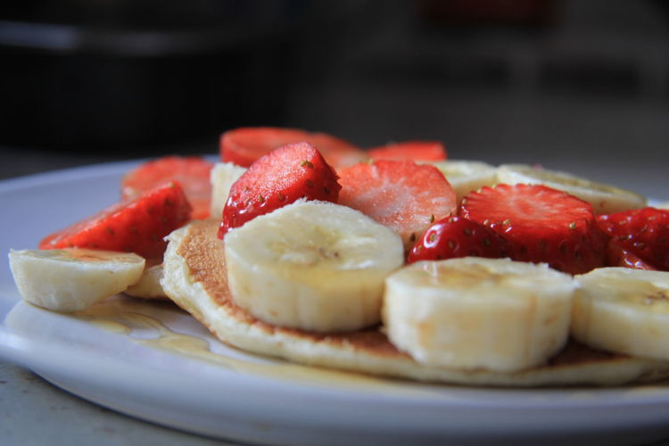 Food Food And Drink Strawberry Ready-to-eat Close-up Dessert Breakfast Sweet Food Valentine's Day  Valentine Inspiration Pancakes Strawberries ♡ Banana Maple Syrup Fruit Healthy Eating Freshness Still Life Temptation Snack Snack