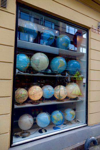 Travellin' without moving 360° Mappemonde Mercator Mostly Sea No People Shelf Spheres World Map