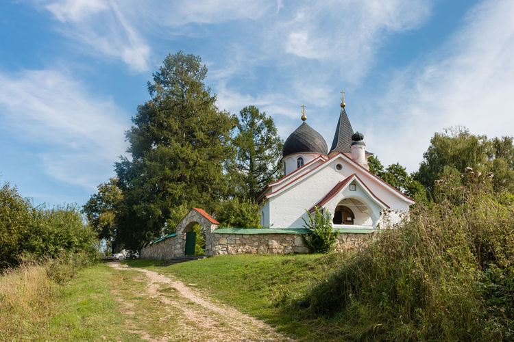 Trinity Church, Russia, Polenovo Autumn Bekhovo Church Russia Russia. Polenovo Tula Oblast Architecture Building Exterior Built Structure Cloud - Sky Day Grass Green Color Landscape Nature No People Oka Orthodox Outdoors Place Of Worship Polenovo Religion Sky Tranquility Tree