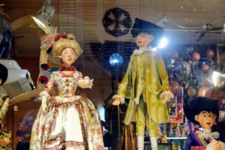 a couple of puppets dressed in.medieval outfits Medieval Outfits Puppets Old Traditional Illuminated Celebration Retail  Human Representation For Sale Female Likeness Male Likeness Bauble Doll Sculpture Religious Event Christmas Market Sculpted Christmas Bauble Figurine  Jesus Christ Statue christmas tree