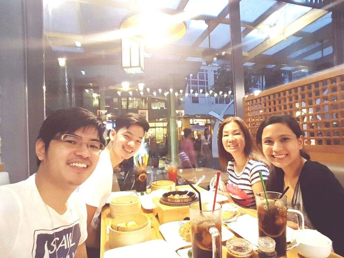 Dinner at BGC 👬👭 😊 Project 365 65/365 Boyfriend Extendedfamily