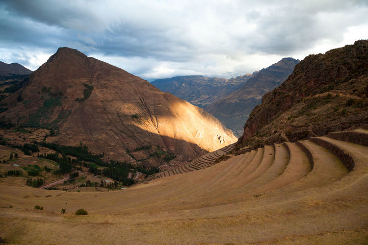 Pisac Perú Terrazas Sol Atardecer Mountain Scenics - Nature Environment Cloud - Sky Beauty In Nature Sky Mountain Range Tranquil Scene Landscape Tranquility No People Non-urban Scene Nature Day Land Road Idyllic The Way Forward Direction Remote Formation Arid Climate